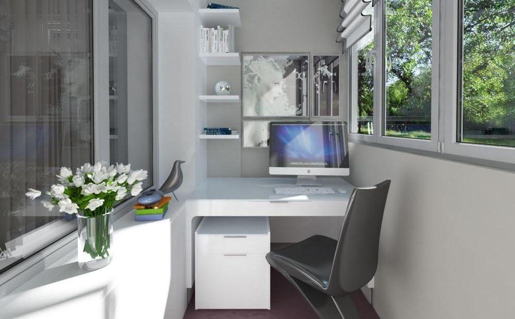 Лоджию можно использовать и в качестве небольшого рабочего кабинета
