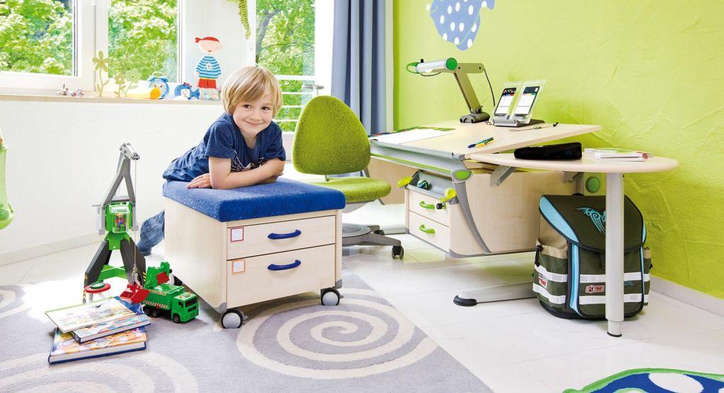 Трансформер, ортопедический или компьютерный - выбираем подходящий письменный стол для школьника