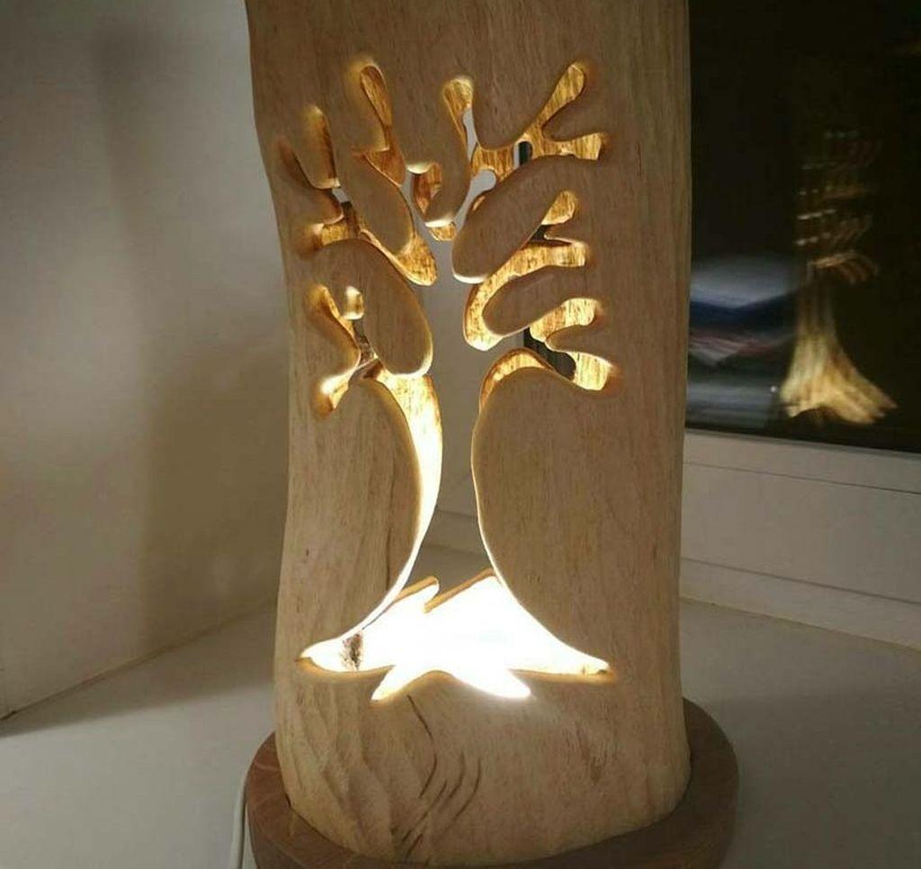 Для стиля кантри и прованс идеальным решением станет вариант из натурального дерева