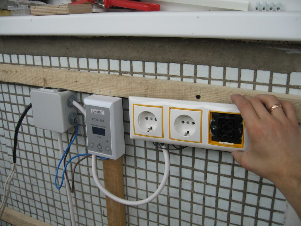 Проводка - самое главное условие на этапе утепления балкона