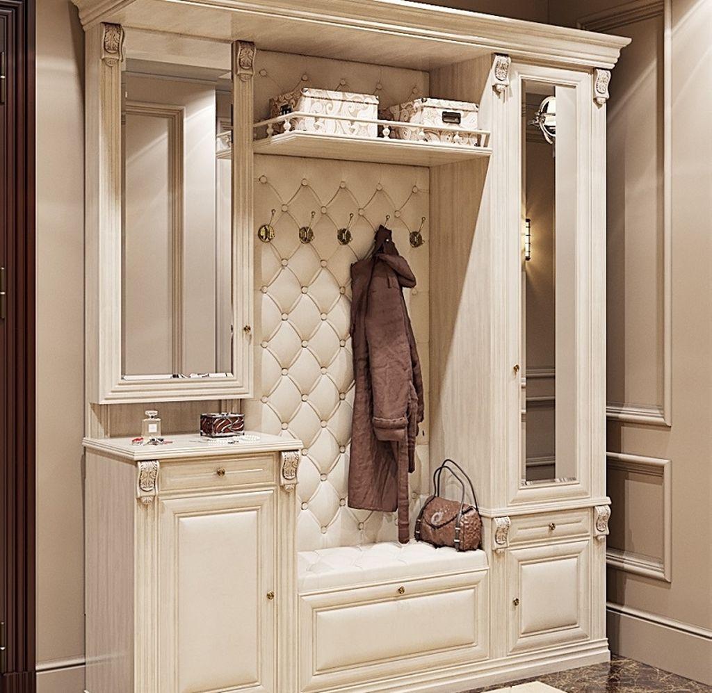 Классический стиль подразумевает использование светлых тонов и резное оформление мебели