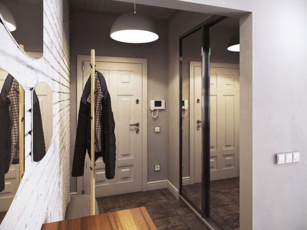 При наличии свободного пространства идеальным вариантом для хранения вещей станет шкаф-купе