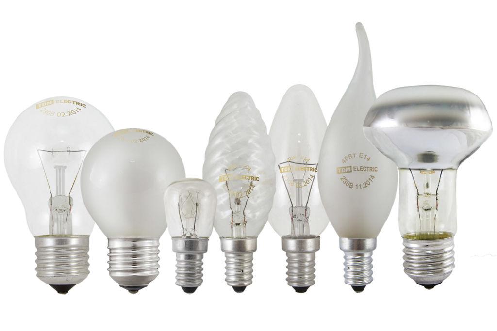Встраиваемая лампочка должна быть маленькой, не стоит превышать размера хрустального плафона