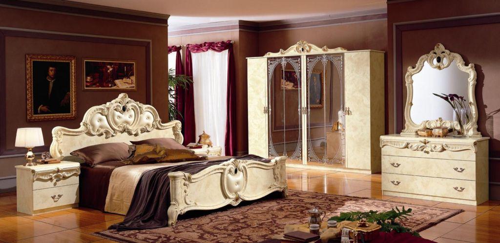 Барочная спальня в темно-теплых тонах