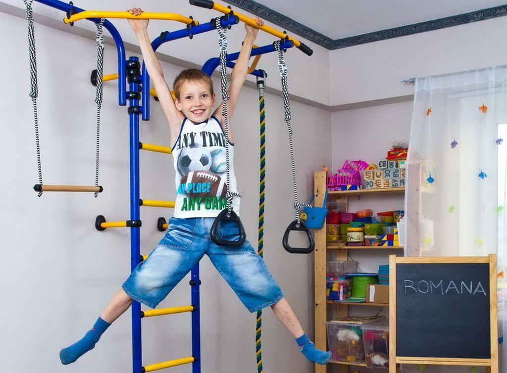 При желании спортивный уголок можно установить даже в небольшой комнате