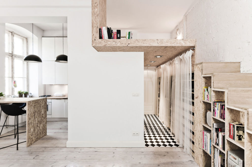 Вариант для помещений с обычными потолками — кровать-чердак