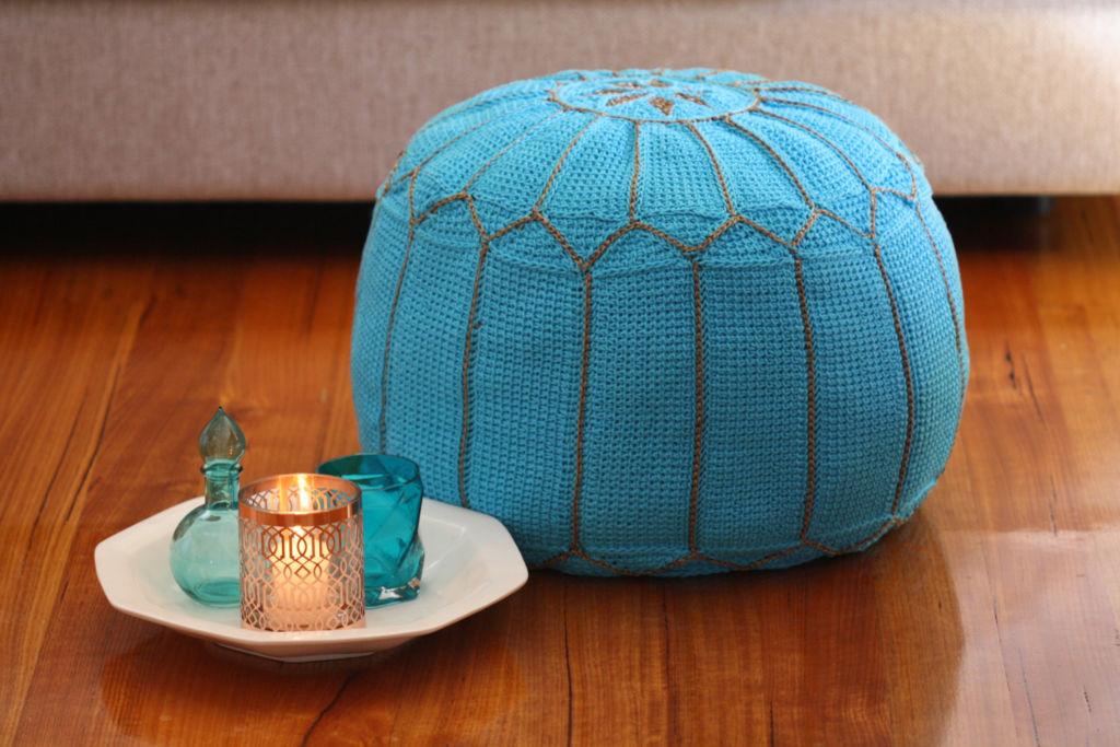 Пуф – это больше, чем подушка, это универсальная мебель, которая может быть и круглой, и кубической, и цилиндрической формы