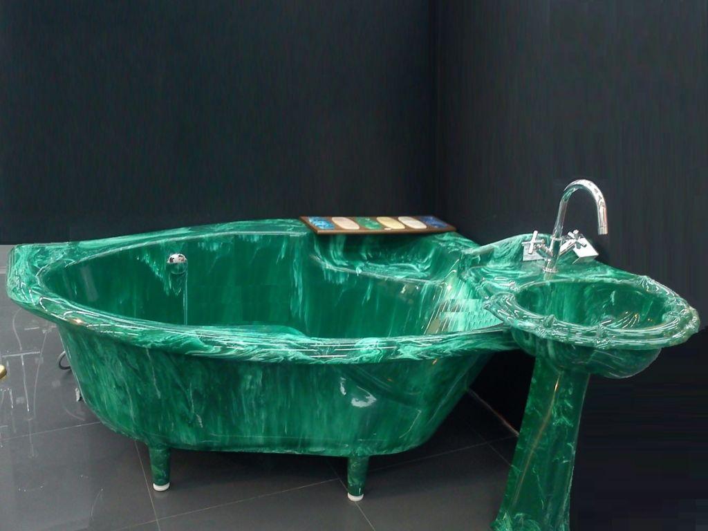 Угловая ванна из искусственного мрамора
