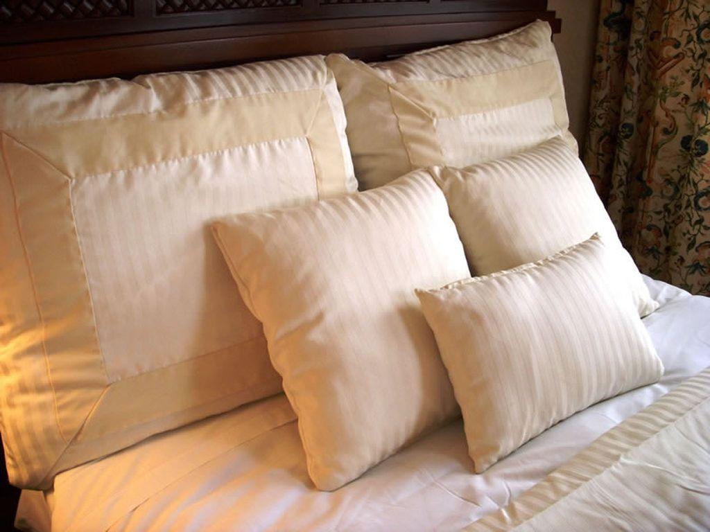 Рекомендуется каждое утро взбивать подушки