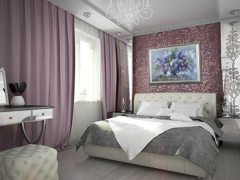 Картины в спальне помогают создать тёплую атмосферу уюта и спокойствия