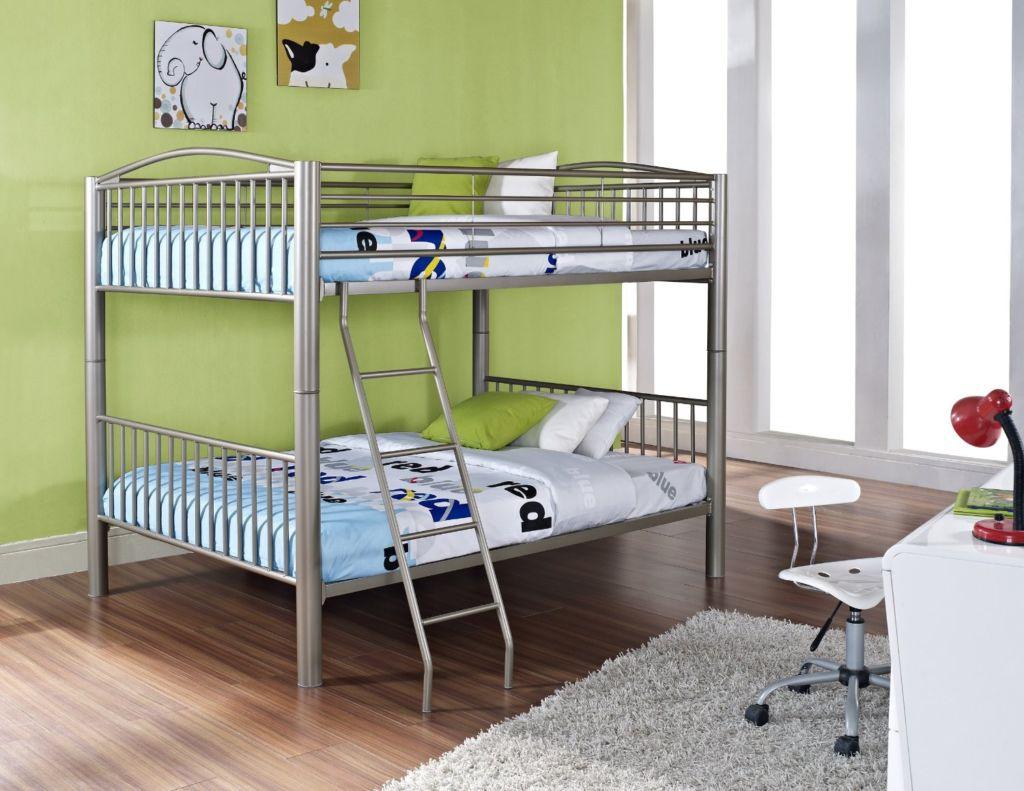 Для многих родителей вопрос экономии пространства в детской комнате является актуальным