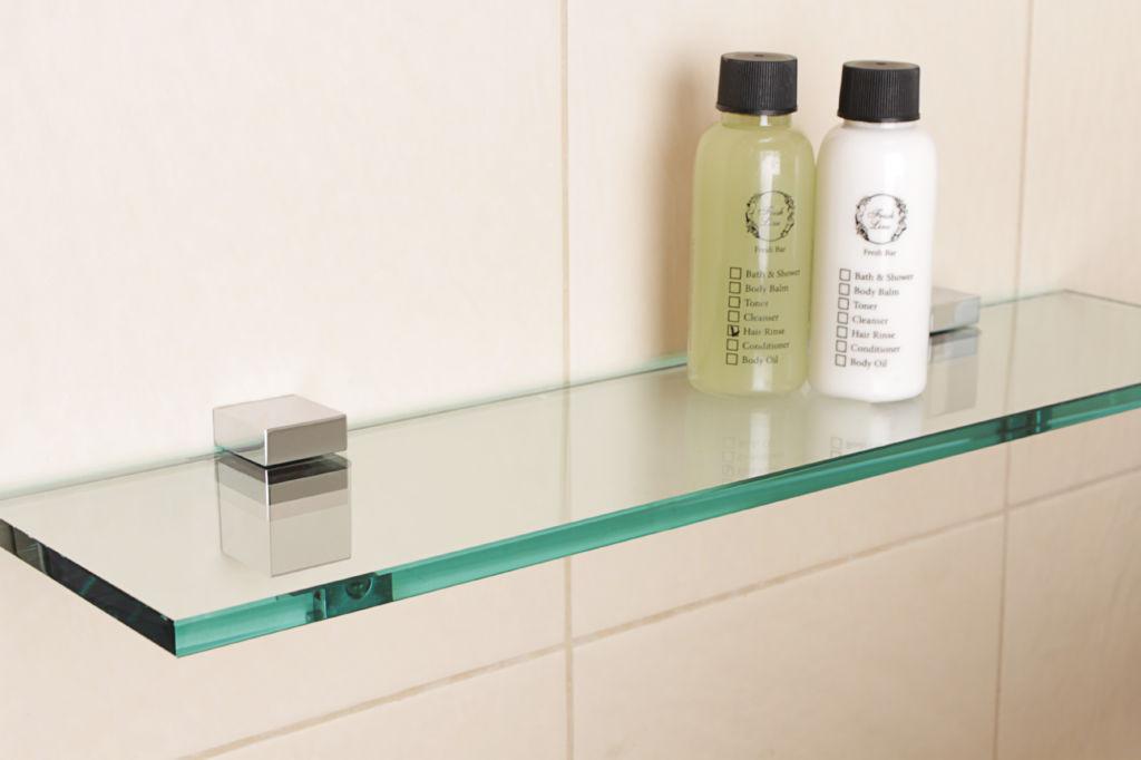 Стеклянные полки для ванной комнаты – это современно, изысканно и красиво