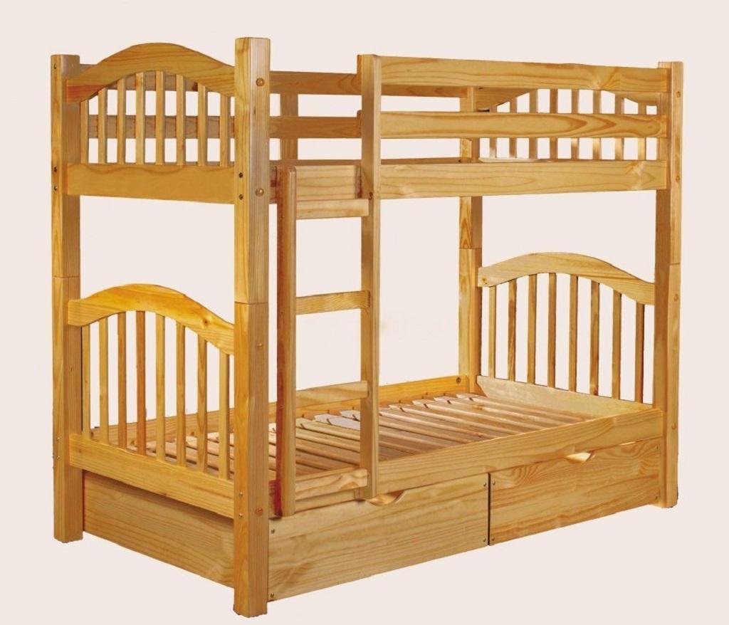 Мебель из деревадолговечна и в зависимости от используемой породы имеет свои особенности