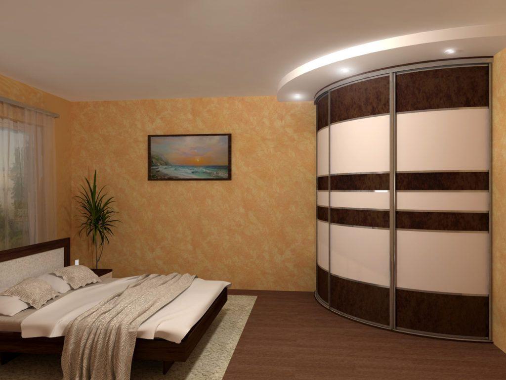 При установке радиусных вариантов обязательно нужно учитывать размеры комнаты