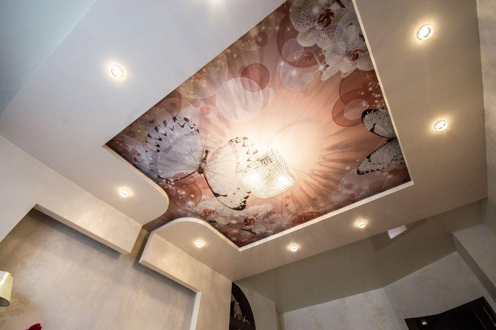На натяжной потолок можно нанести практически любое изображение