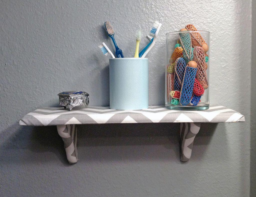 Навесные способны успешно заменить навесные шкафчики и антресоли